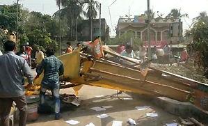 প্রার্থী নাপসন্দ! গাজোলে নির্বাচনি কার্যালয়ে তাণ্ডব