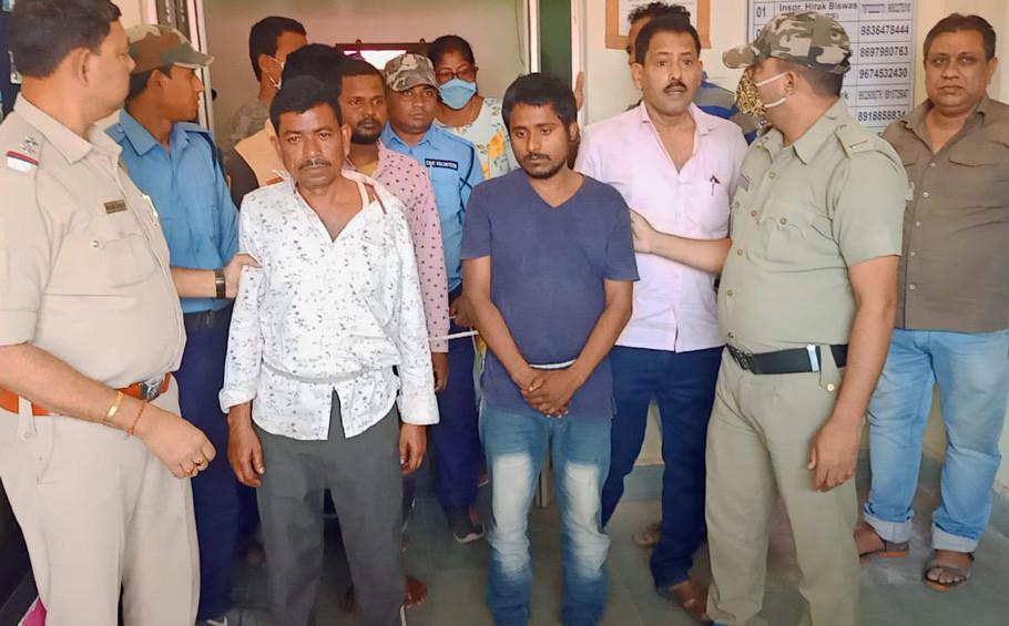 Malda police arrested 5 traders with brown sugar worth 10 lakh