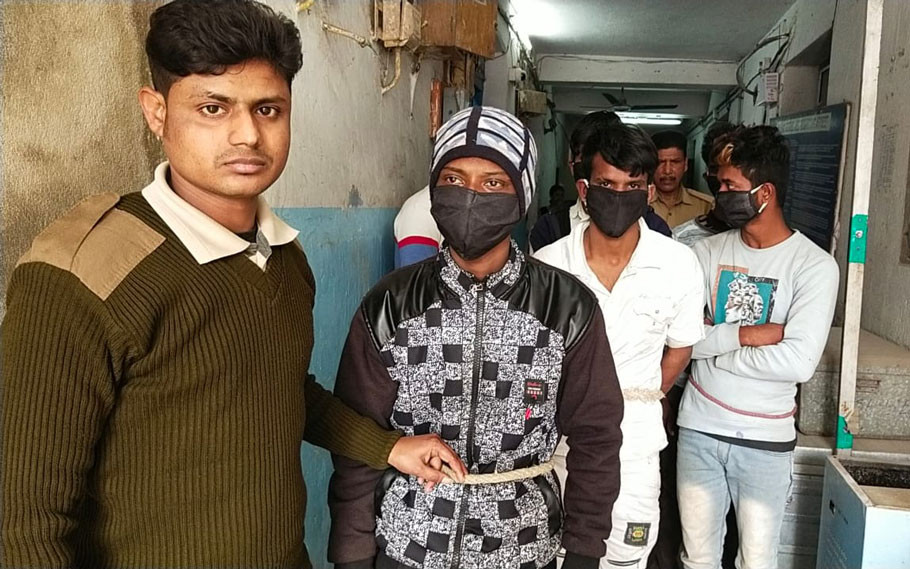 Police have arrested a gang of five robbers