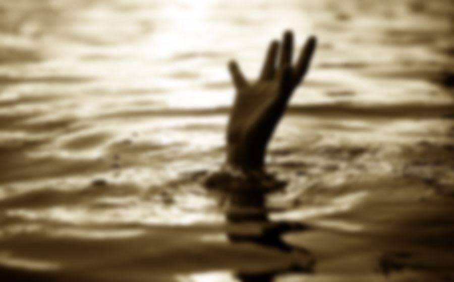 English Bazar Youth drowned in the river mahananda