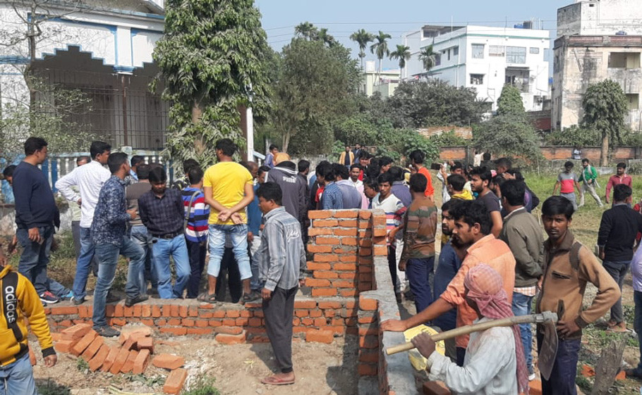 Alleged sale of government library land in Chanchal
