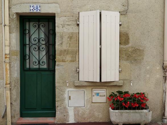 #38 Fleurs, France