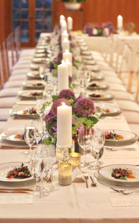 White Tableware, White Wedding, Candlelit Table Setting, Tableware Inspo, Place Setting Inspo