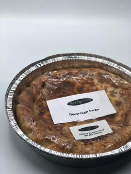 Main: Deep Dish Pizza - Illinois