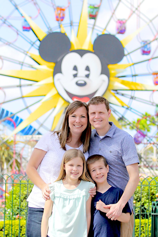 disneyland family photography, anaheim family photography, mickey mouse family photo