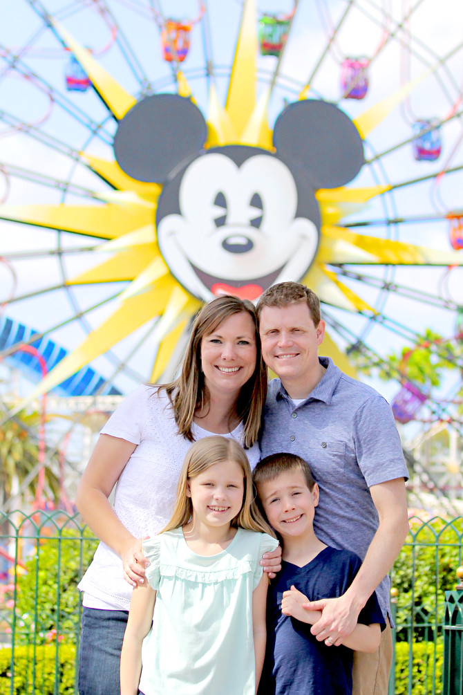 The Pinnell Family | Disneyland Family Photographer | Anaheim Family Photography