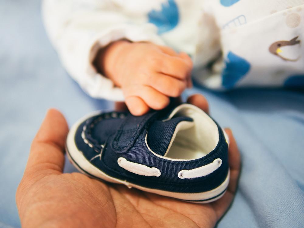 choisir les premières chaussures de bébé