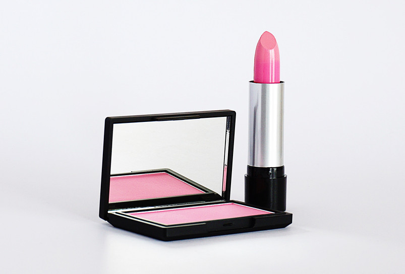 close-up-photo-of-pink-lipstick-and-blus