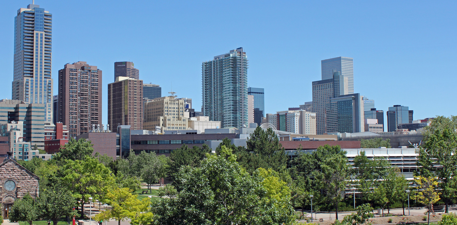daytime-skyline-of-downtown-denver-color