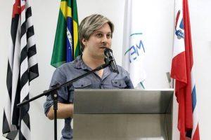 Lisandro questiona sobre a revitalização dos pontos de ônibus