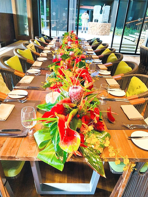 TROPICAL TABLE SCAPE