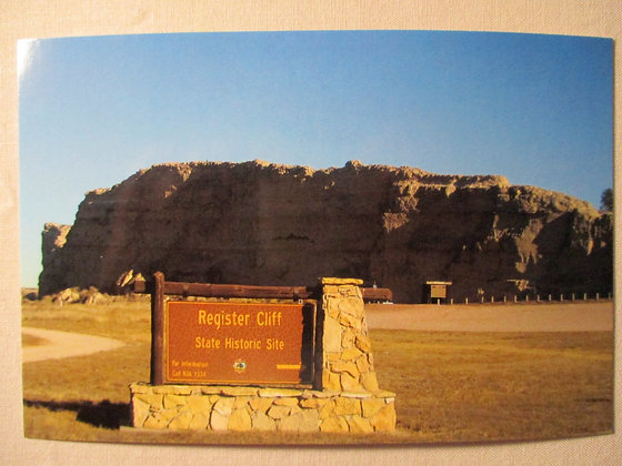 Register Cliff Guernsey,Wyoming Post Card