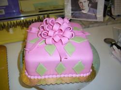 present cake 2
