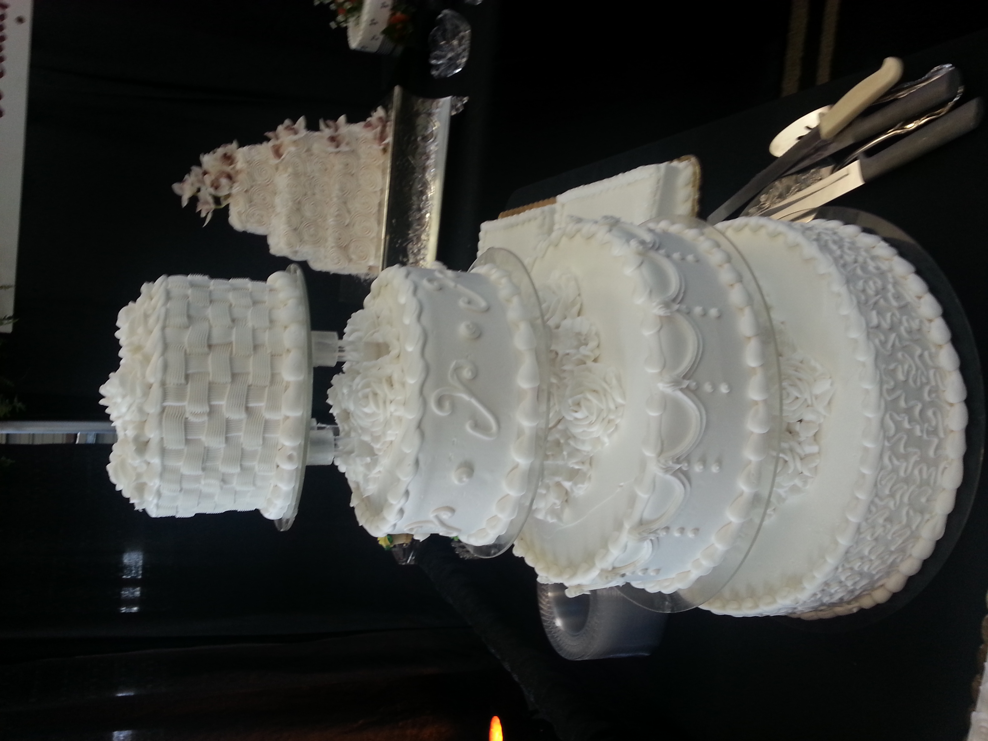 4 tier wedding cake2