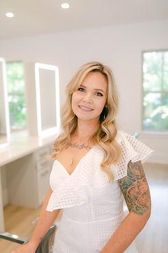 Mandy Gonzales, Hairstlist
