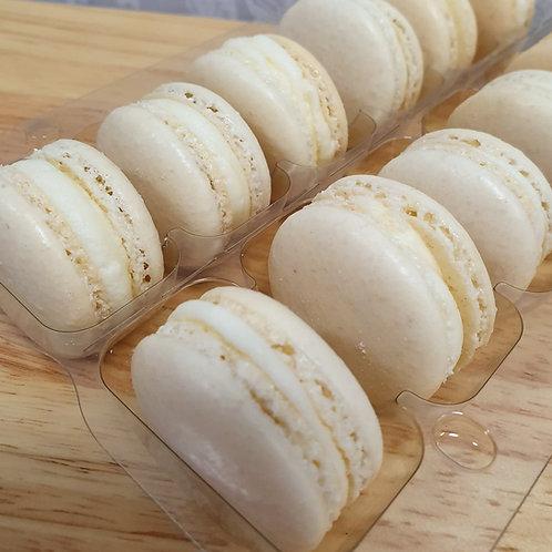 Box of 6 White Macarons
