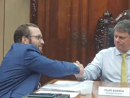 Filipe Barros pede a ministro que rodovias estaduais fiquem fora do novo pedágio