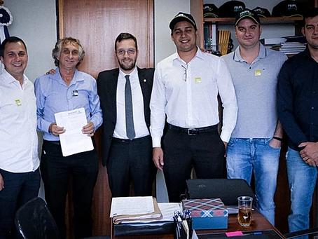 Deputado Filipe Barros recebe o prefeito de Sarandi