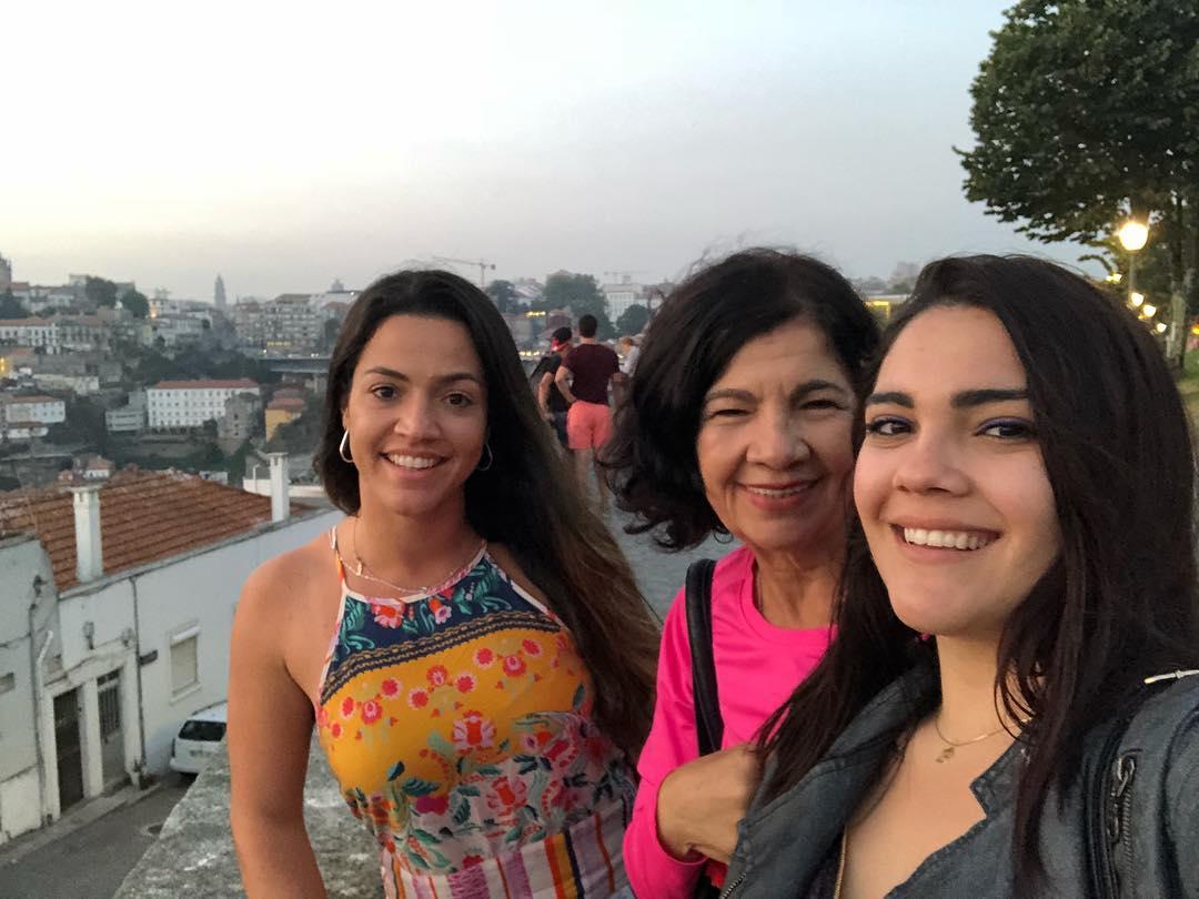 Por do sol em Porto com mãe e irmã