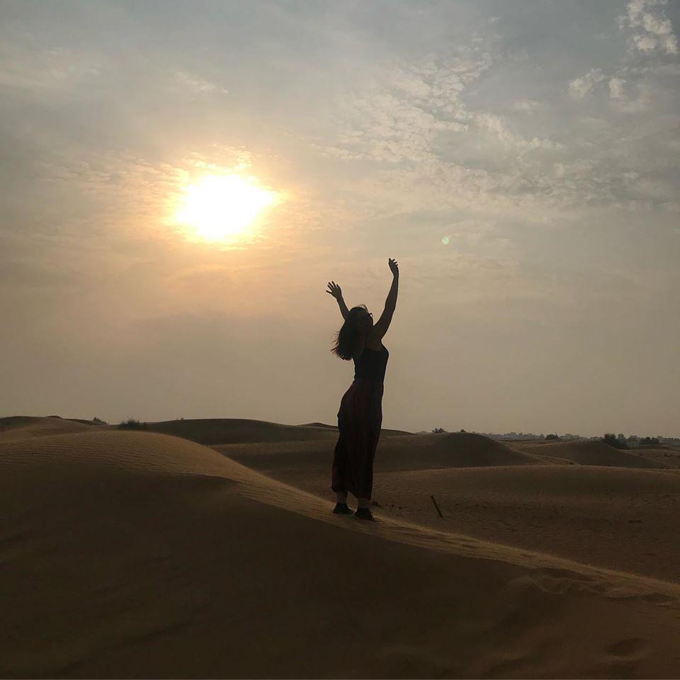 Pôr do sol mágico no deserto de Duba