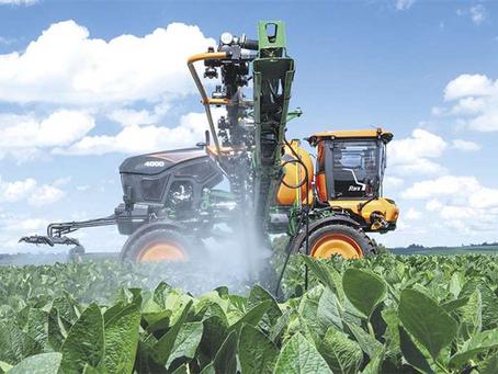 Hasta el 30% de los agroquímicos que ingresan a Bolivia proviene del contrabando