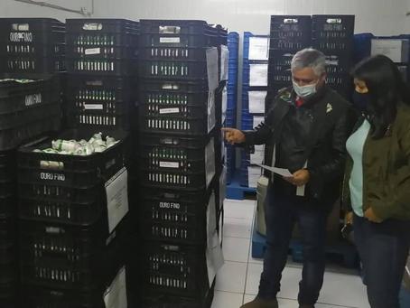 El Senasag decomisa 75.000 dosis de vacunas contra la rabia bovina en Santa Cruz