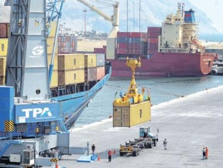 Arica prevé suspender servicios a importadores