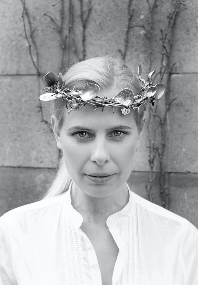 Blanka Fišerová portrét Iva Haj, Zlodějky lžiček