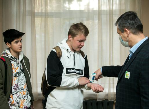 В дни каникул в школах Солнечногорска контролируют соблюдение санитарных норм