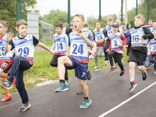 В Солнечногорске прошёл легкоатлетический забег «Бежим вместе», посвящённый Дню России