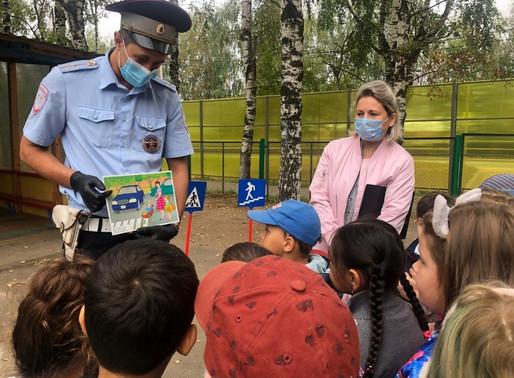 Солнечногорские полицейские ознакомили юных жителей с «Дорожной азбукой»