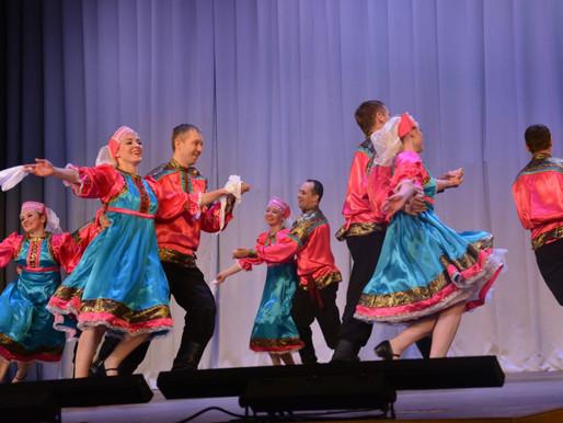 Ансамбль народного танца «Светлица» выступил с концертом в Солнечногорске