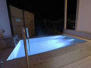 ホテルベルヴェデーレ水中照明