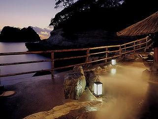 堂ケ島ホテル天遊 露天風呂水中照明