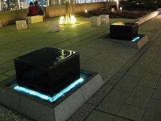大阪駅 ベンチ 水中ライン照明