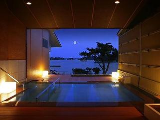 小松館 水中照明