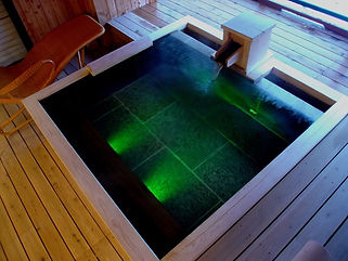 鶴雅別荘 鄙の座水中照明