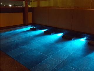 湯吉朗水中照明
