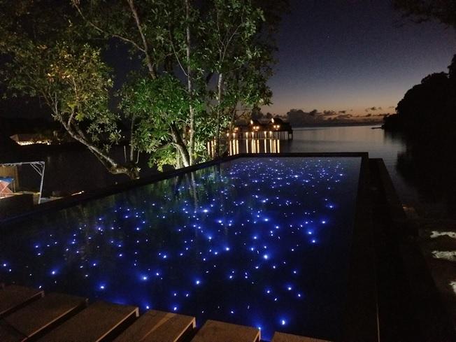パラオパシフィックリゾート 屋外プール(星屑照明)
