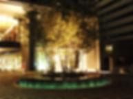 オラクルビル 噴水照明 アッパー照明