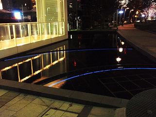 ミッドタウン 水景 水中ライン照明