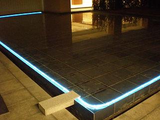 星野リゾート トマム 水中ライン照明