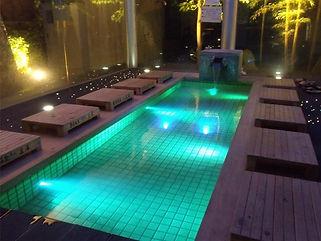 粟津温泉 結びの足湯 水中照明