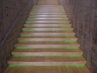 地中美術館階段 埋設 ライン照明