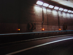 トンネル誘導灯