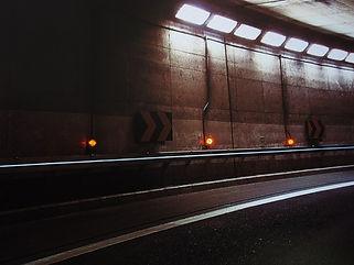 トンネル誘導灯 ライン照明