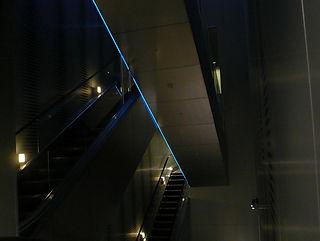 山手BD ライン照明