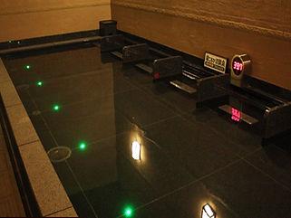 竜泉寺の湯 草加谷塚店 寝湯水中照明