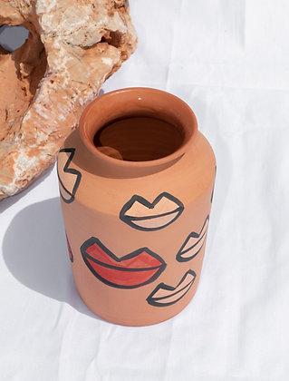 Classic Makia Vase