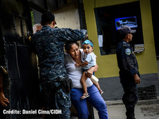 Daniel Cima para CIDH, 2014  Visita de la CIDH a la Penitenciaría de San Pedro Sula durante  la visita in loco a Honduras.   Exhibición permanente. Colección CIDH.